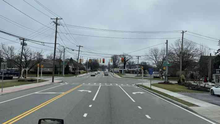 97 W Oak St, Amityville, NY 11701, USA