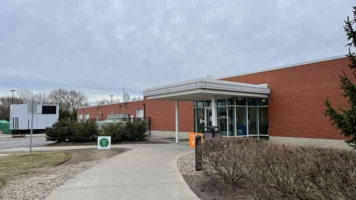 Middle Ridge Service Plaza, Ohio Turnpike Westbound, Amherst, OH 44001, USA
